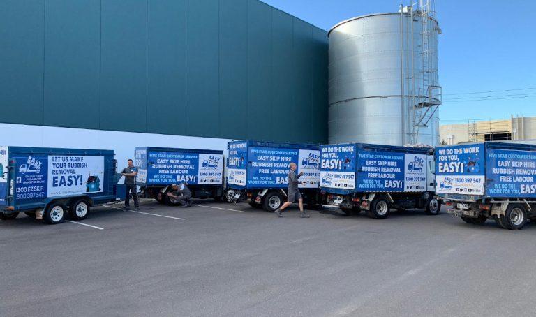 easy skip hire trucks team